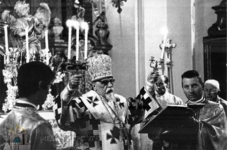 Владики Синоду Єпископів УГКЦ молилися за Патріарха Йосифа Сліпого