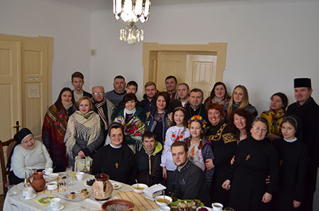 «Керувати сім'єю, чи будь-якою спільнотою, слухаючи Бога, не є просто, але можливо», - владика Димитрій
