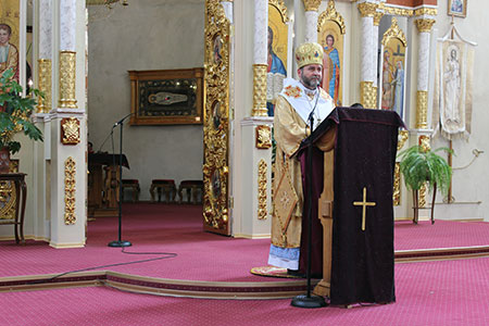 Архиєрейська Божественна Літургія та театралізована Хресна Дорога в Чорткові