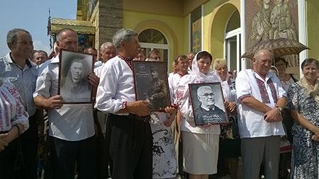 Приклад родини Галущинських закликає до любові Церкви і України