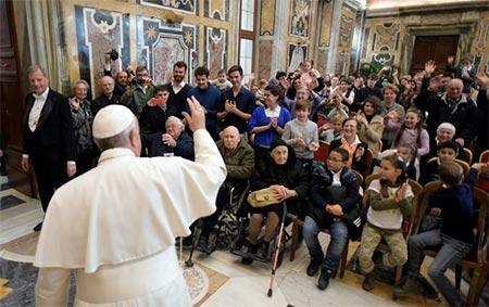 Папа Франциск: діти та похилі віком особи – це майбутнє кожного народу