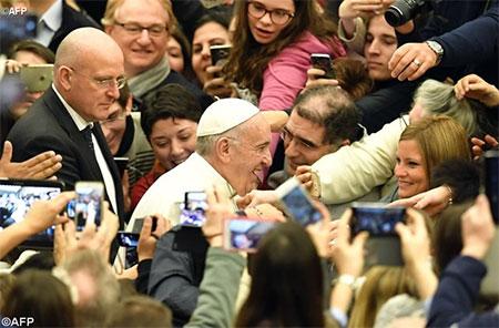 Папа про надію, молитву і пізнання істини про милосердного Бога