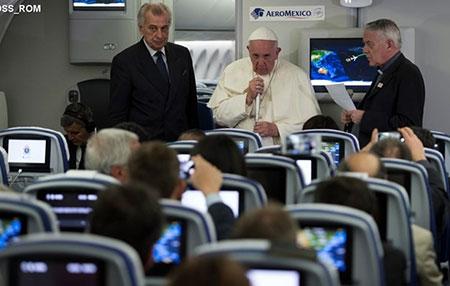 Папа: Мені зрозумілі почуття українського народу