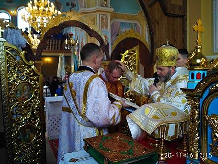 Владика Дмитро освятив храм після розпису