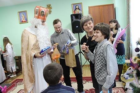 «Дім милосердя» приймає дари від святого Миколая