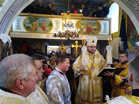 Владика Дмитро посвятив відновлений розпис парафіяльного храму в с. Пищатинці