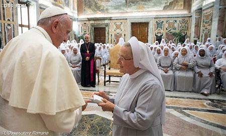 Папа: Перед обличчям хвороби не існує поділів на раси і культури