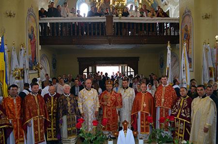 Благословення відновленого храму в с. Мухавка