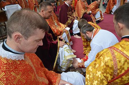 Владика Дмитро у Страсний четвер здійснив Чин умивання ніг капеланам Бучацької єпархії