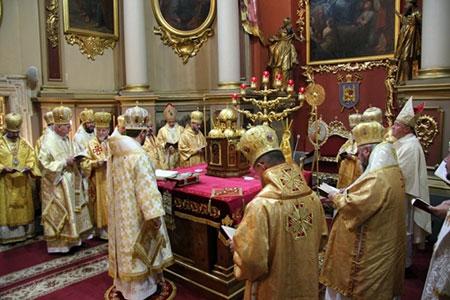 У Львові Архиєрейською Божественною Літургією розпочали відзначення 150-ліття від дня народження митрополита Андрея