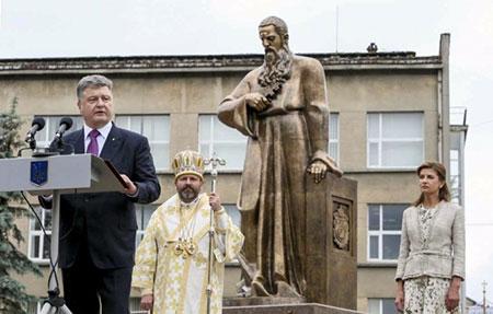 «Найкращий пам'ятник Шептицькому – незалежна Україна», - Президент України