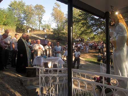 Освячення фігури Богородиці та відновленого джерела «Кринична-Бавка» в Мельниці-Подільській