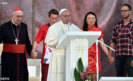 Папа до молоді: Ми прийшли у світ, що його змінювати!